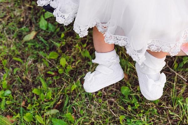 Mariage, baptême, grandes occasions : comment habiller son nouveau-né ?